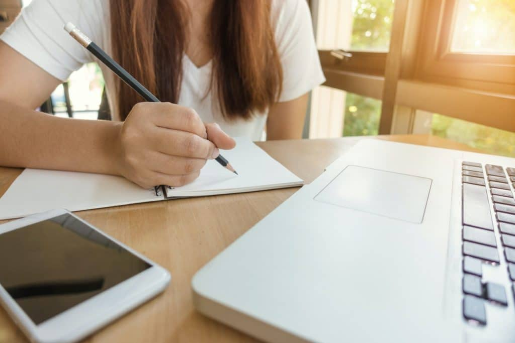 How to Start an Expository Essay Introduction