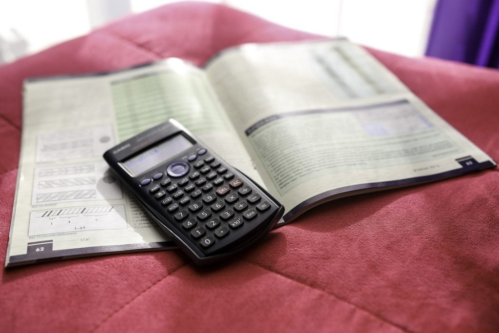 Differences Between a Scientific Calculator and a Graphing Calculator